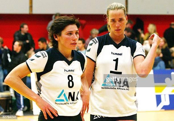 Bundesliga 03/04 Hamburg TV Fischbek Dresdener SC 23 Marina CUKSEEVA und Christina BENECKE/Fischbek enttaeuscht