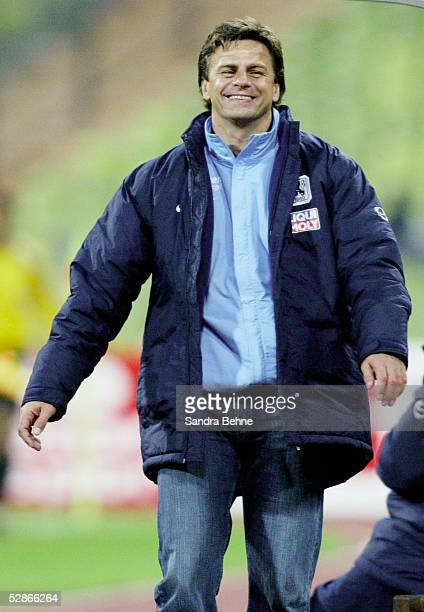 Bundesliga 03/04, Muenchen; TSV 1860 Muenchen - VfL Bochum; Trainer Falko GOETZ/1860