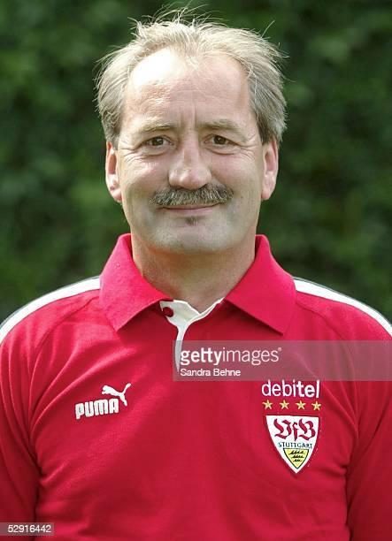 1 Bundesliga 03/04 Stuttgart VfB Stuttgart Physiotherapeut Gerhard EGGER