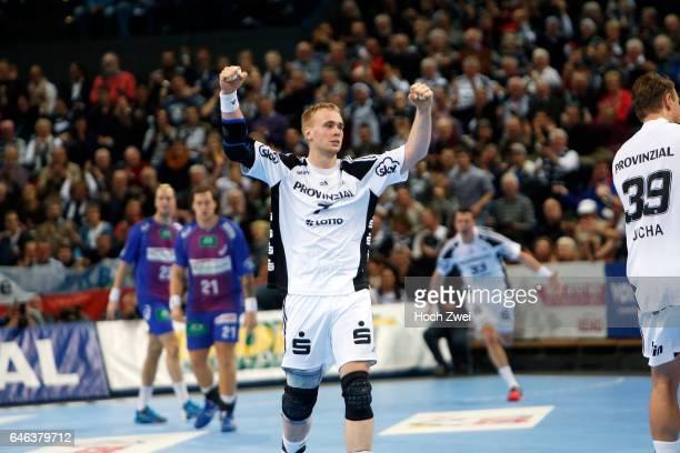 Kiel 26 Dezember 2013 Handball 1 Bundesliga 2013/14 THW Kiel HSV Handball Rene Toft Hansen // © ximgs wwwximgs picturedesk@ximgs // Bankverbindung...