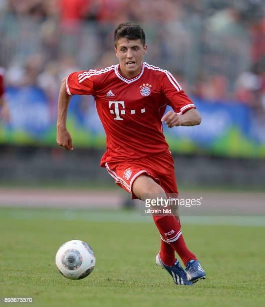 FUSSBALL 1 Bundesliga 2013/2014 Testspiel FC Bayern Muenchen Paulaner Traumelf Alessandro Schoepf am Ball