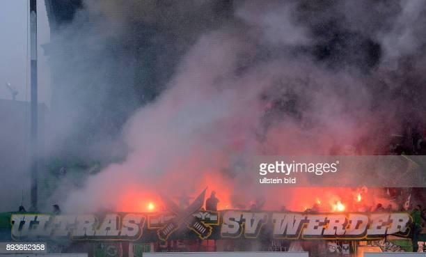9 Spieltag Saison 2012/2013 Fussball 1 Bundesliga Saison 2012/2013 9 Spieltag SpVgg Greuther Fuerth SV Werder Bremen Werder Ultras Fankurve mit...