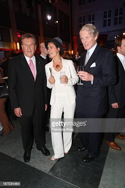 Bundesminister Michael Glos Und Sarah Wiener Anton Wolfgang Faber Castell Bei Der Verleihung Des Deutschen Gründerpreis 2007 Im Zdf Hauptstadtstudio...