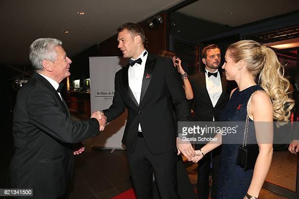 Bundespraesident Joachim Gauck Manuel Neuer goal keeper FC Bayern Munich and his girlfriend Nina Weiss during the 23rd Opera Gala benefit to...
