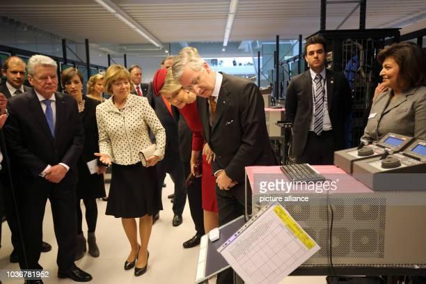 Bundespräsident Joachim Gauck und seine Lebensgefährtin Daniela Schadt besuchen am in Lüttich in Belgien zusammen mit dem belgischen König Philippe...