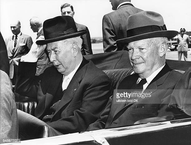 Bundespräsident Theodor Heuss und der amerikanische Präsident Dwight DEisenhower während der Fahrt vomFlugplatz in Washington zum Gästehaus...