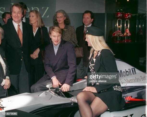 Bundes-Verkehrsminister Franz Müntefering eröffnet in Anwesenheit des Formel 1-Weltmeisters Mika Häkkinen , der Witwe des Rennfahrers Jochen Rindt,...
