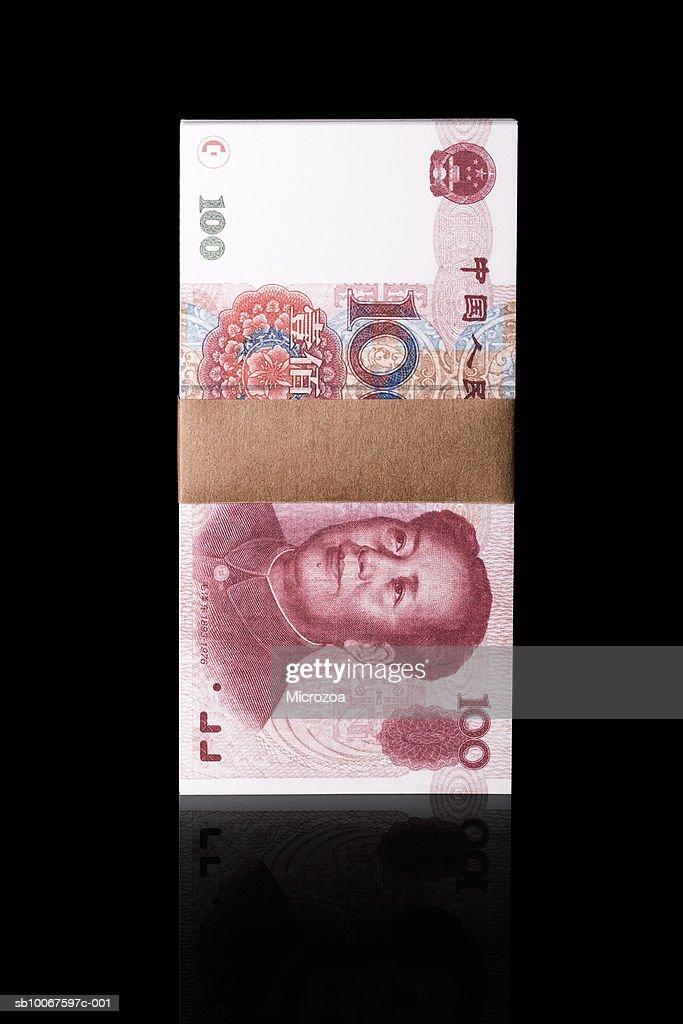 Bundle of one hundred Chinese Yuan notes, studio shot : Stock Photo