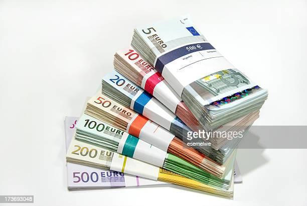 pacchetti di denaro - banconote euro foto e immagini stock