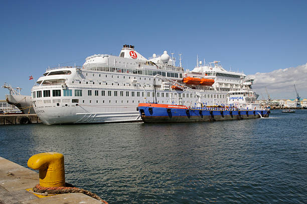 Cruise Ship Bunkering Vessel Cape Pictures Getty Images - Cruise ship fuel