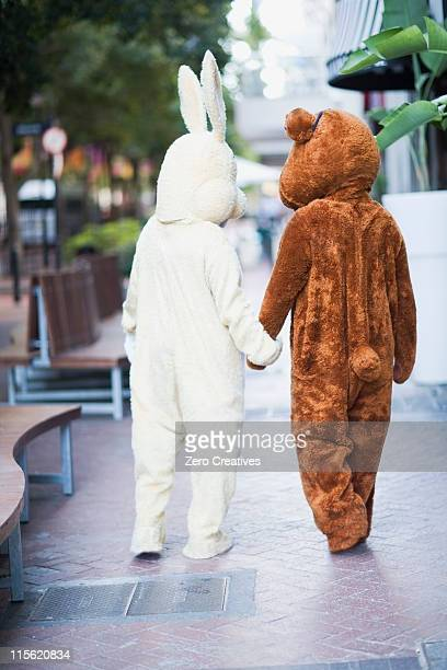 Bunny and bear going along the street