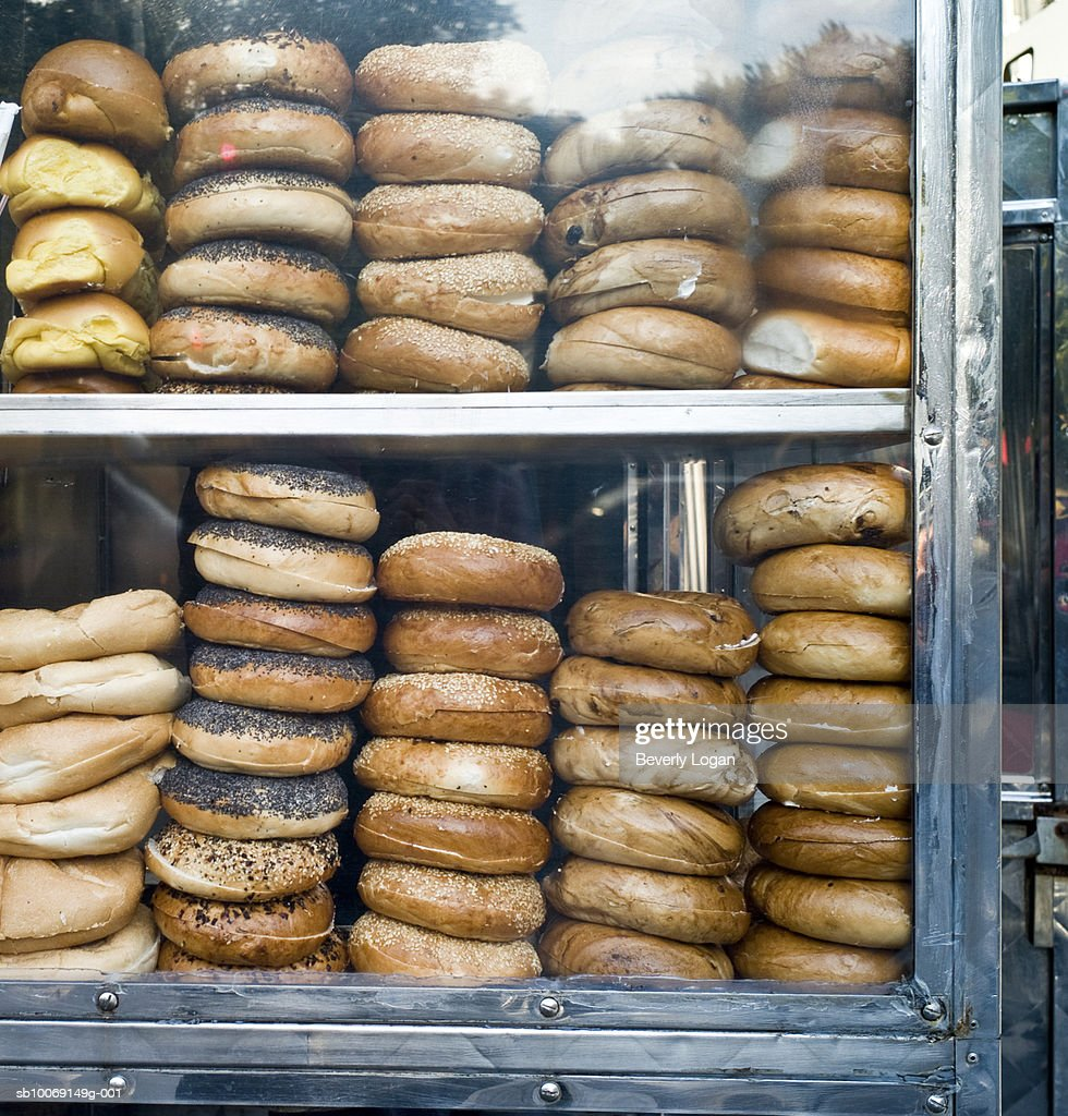 Buns at food stall : Stockfoto