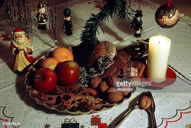 bunter Teller mit Äpfeln Nüssen etc 1995