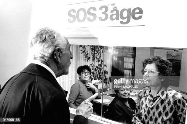 Bureau de l'association SOS 3ème Age venant en aide aux personnes âgées âgé en 1991 en France
