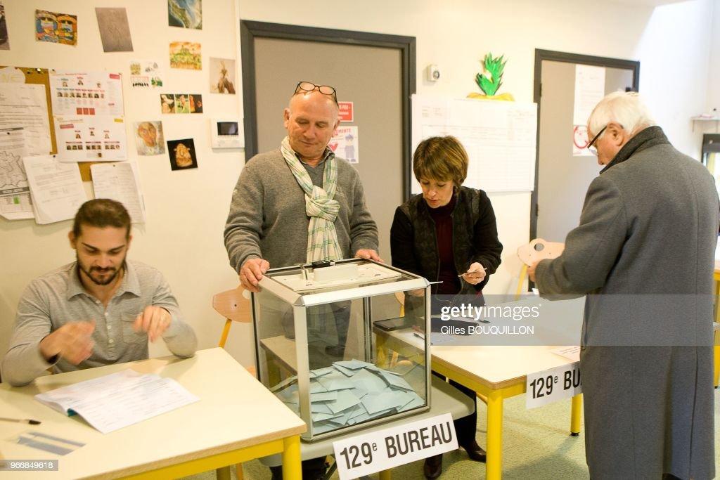 À toulouse jusqu à minutes d attente pour voter