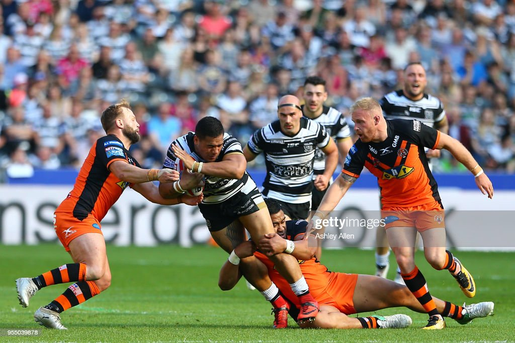 Bureta Faraimo of Hull FC is tackled during the Betfred Super League match between Hull FC and Castleford Tigers at KCOM Stadium on May 5, 2018 in Hull, England.