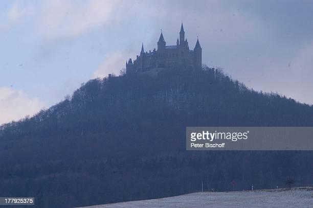 Burg 'Hohenzollern' Bisingen BadenWürrtemberg Deutschland Europa Denkmal Sehenswürdigkeit touristische Attraktion Architektur Neugotik Gipfelburg...