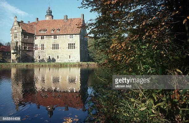 Burg Vischering im Münsterland - Aussenansicht 1999