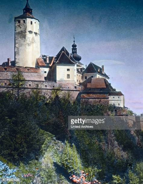 Burgenland has his name on the many castles that have survived more or less good at it as this quite magnificent castle Forchenstein in the old gray...