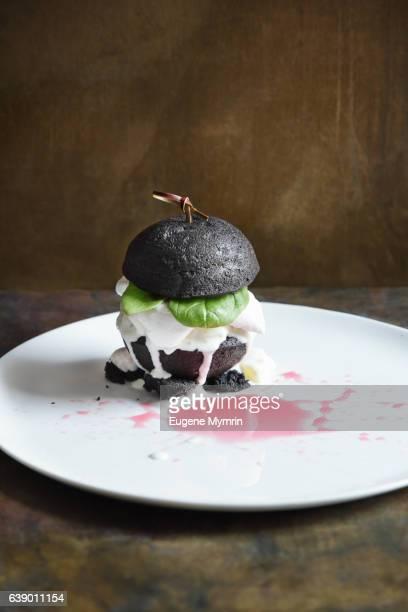 'Burger' dessert: sponge cake, fruits and ice-cream