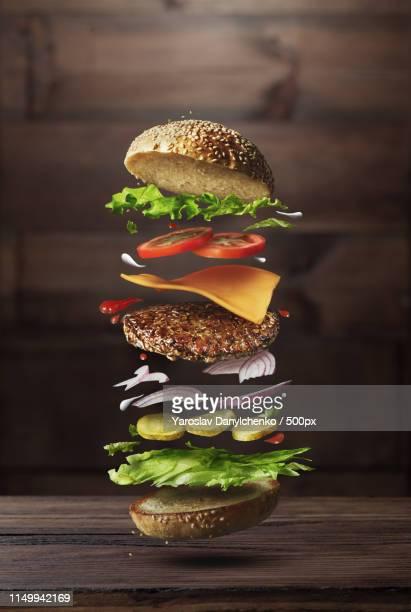 burger preparation ingredients - シード ストックフォトと画像
