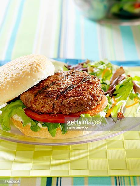 bbq burger with spring salad - side salad stock pictures, royalty-free photos & images