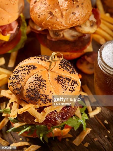 ハンバーガーやビール