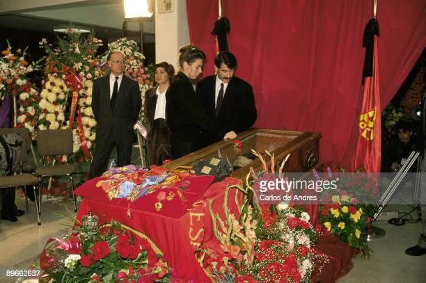 Burial of Dolores Ibarruri ´The Pasionaria´ Nicolas Sartorius and Gerardo Iglesias next to Dolores Ibarruri´s coffin