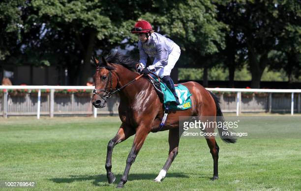 Buridan ridden by Hayley Turner goes to post