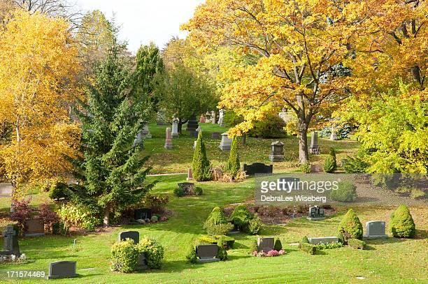 enterrada na encostas - cemitério - fotografias e filmes do acervo
