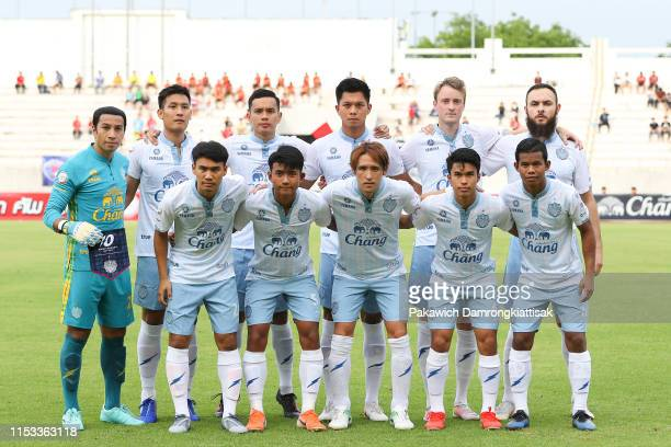 Buriram United players line up for the team photos prior to the Toyota League Cup match between Chiangmai United and Buriram United at the 700th...
