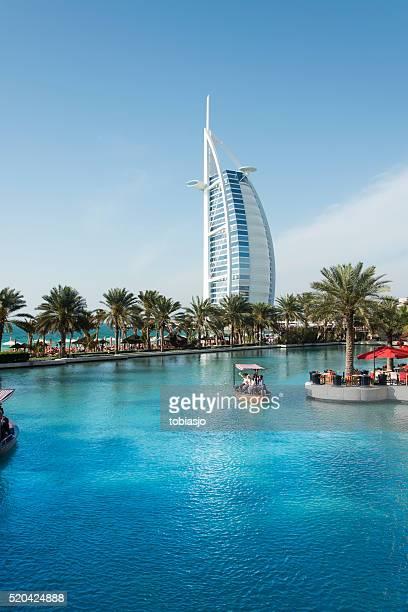Burj Al Arabische aus der Madinat Jumeirah betrachtet Landkreis