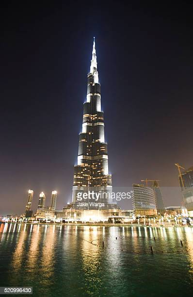 burj khalifa, the tallest building in the world at night - jake warga stock pictures, royalty-free photos & images
