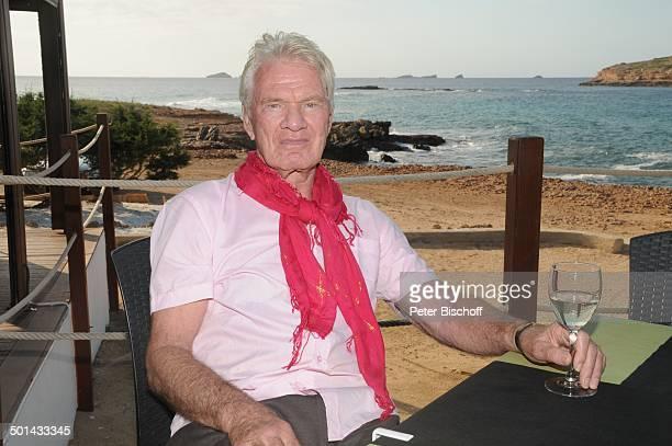 Burkhard Driest Restaurant Ses Roques Playa de Comte Insel Ibiza Balearen Spanien Europa Urlaub Meer Mittelmeer Küste Tuch Schauspieler Regisseur...