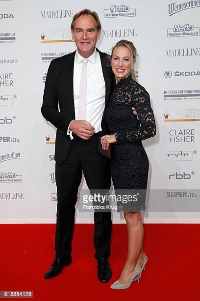 Burkhard Jung and Ayleena Wagner attend the Goldene Henne on October 28 2016 in Leipzig Germany
