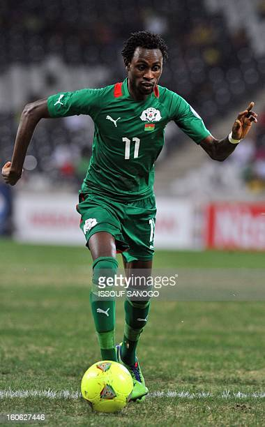 Burkina Faso national footbal team's forward Jonathan Pitroipa controls the ball during the 2013 African Cup of Nations quarter final football match...
