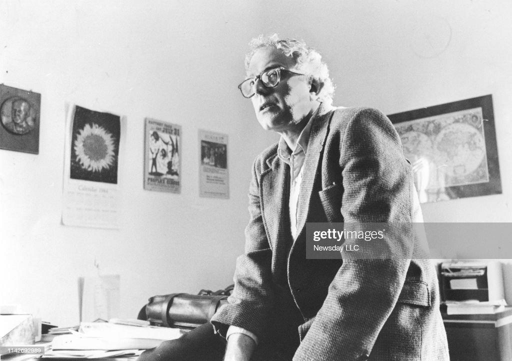 Bernie Sanders in his office as mayor of Burlington, Vermont in 1985 : News Photo