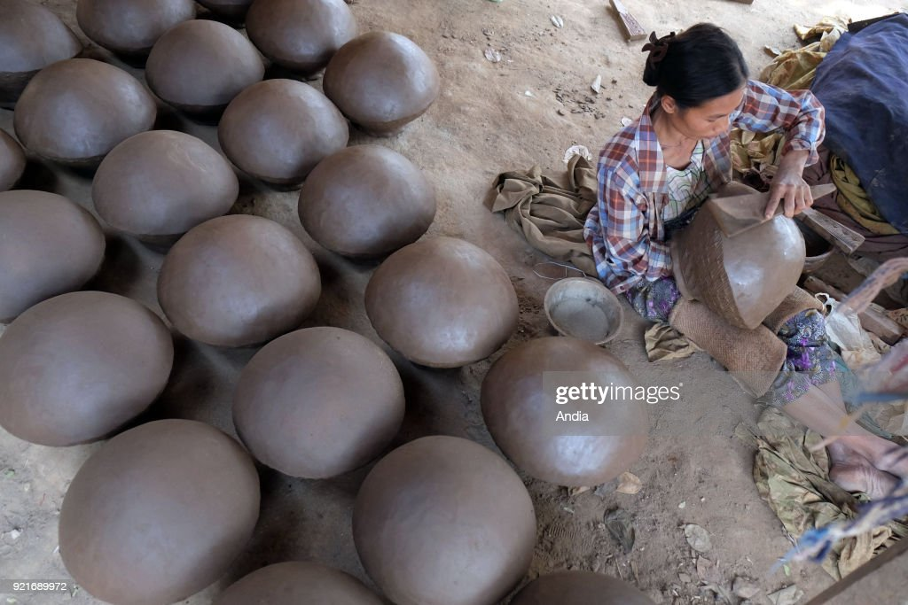 Pottery. : News Photo