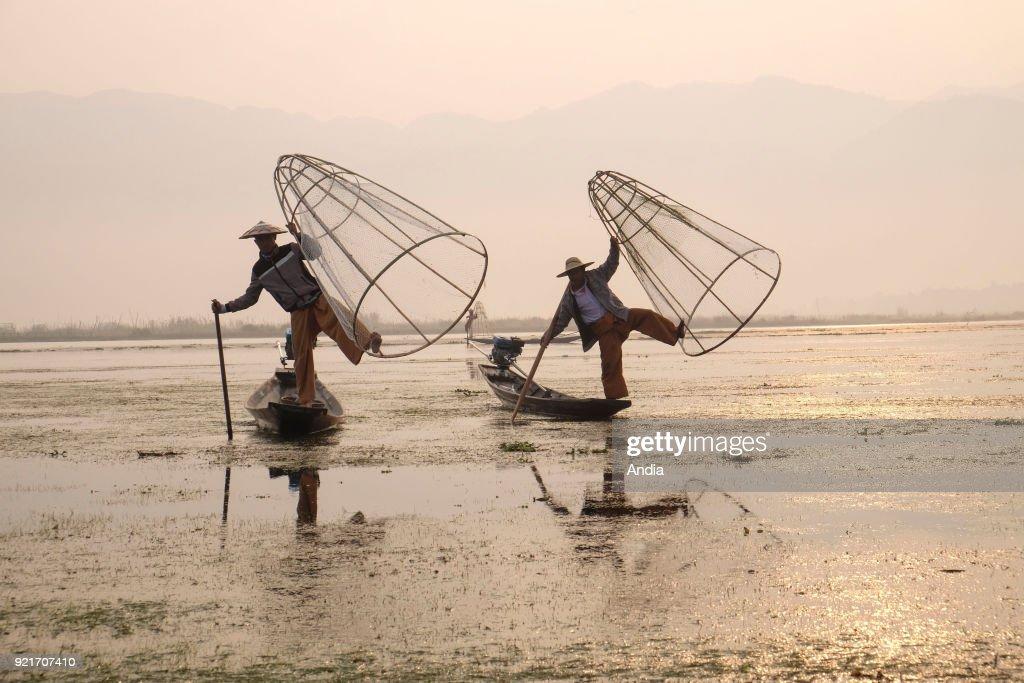 Fishermen on Inle Lake. : News Photo