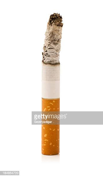 brennende zigaretten - zigarette stock-fotos und bilder