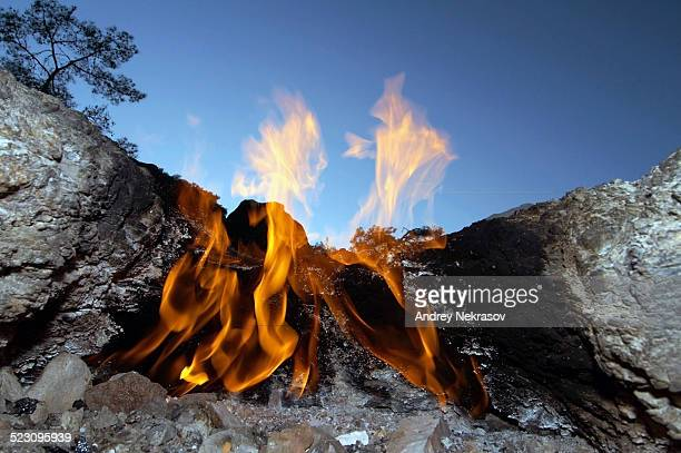 burning gas vents, chimeras, mount chimaera, lycia, turkey, western asia - antalya stock-fotos und bilder