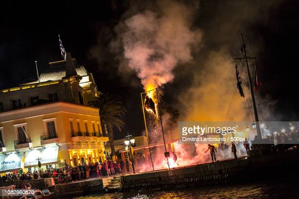burning of juda in spetses, greece - spetses stock pictures, royalty-free photos & images