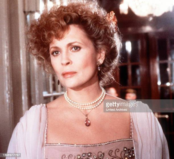Burning Secret / Die kurze leidenschaftliche Begegnung eines österreichischen Barons mit der Frau eines amerikanischen Diplomaten verstört die...