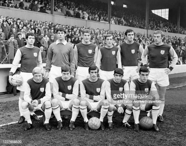 Burnley line up for a group photo before the Football League Division One match between Burnley and Arsenal at Turf Moor on November 30 1968 in...