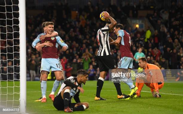 Burnley player Jeff Hendrick celebrates his 74th minute winning goal during the Premier League match between Burnley and Newcastle United at Turf...