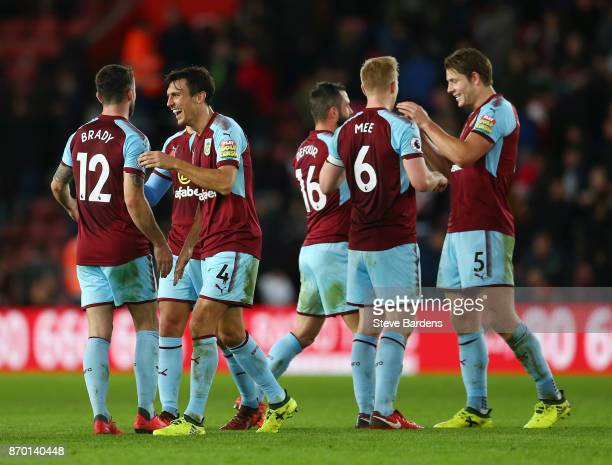 Burnley players celebrate their side's win following the Premier League match between Southampton and Burnley at St Mary's Stadium on November 4 2017...