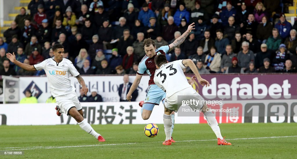 Burnley's Ashley Barnes scores his side's second goal during the Premier League match between Burnley and Swansea City at Turf Moor on November 18, 2017 in Burnley, England.