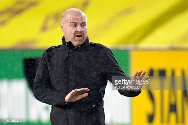 Burnley's English manager Sean Dyche gestures on the touchline during the English Premier League football match between Burnley and Wolverhampton...