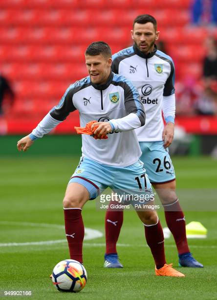 Burnley's Johann Berg Gudmundsson and Phil Bardsley warm up during the Premier League match at the bet365 Stadium Stoke