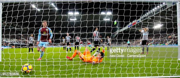 Burnley's Sam Vokes scores his side's equalising goal to make the score 11 during the Premier League match between Newcastle United and Burnley at St...